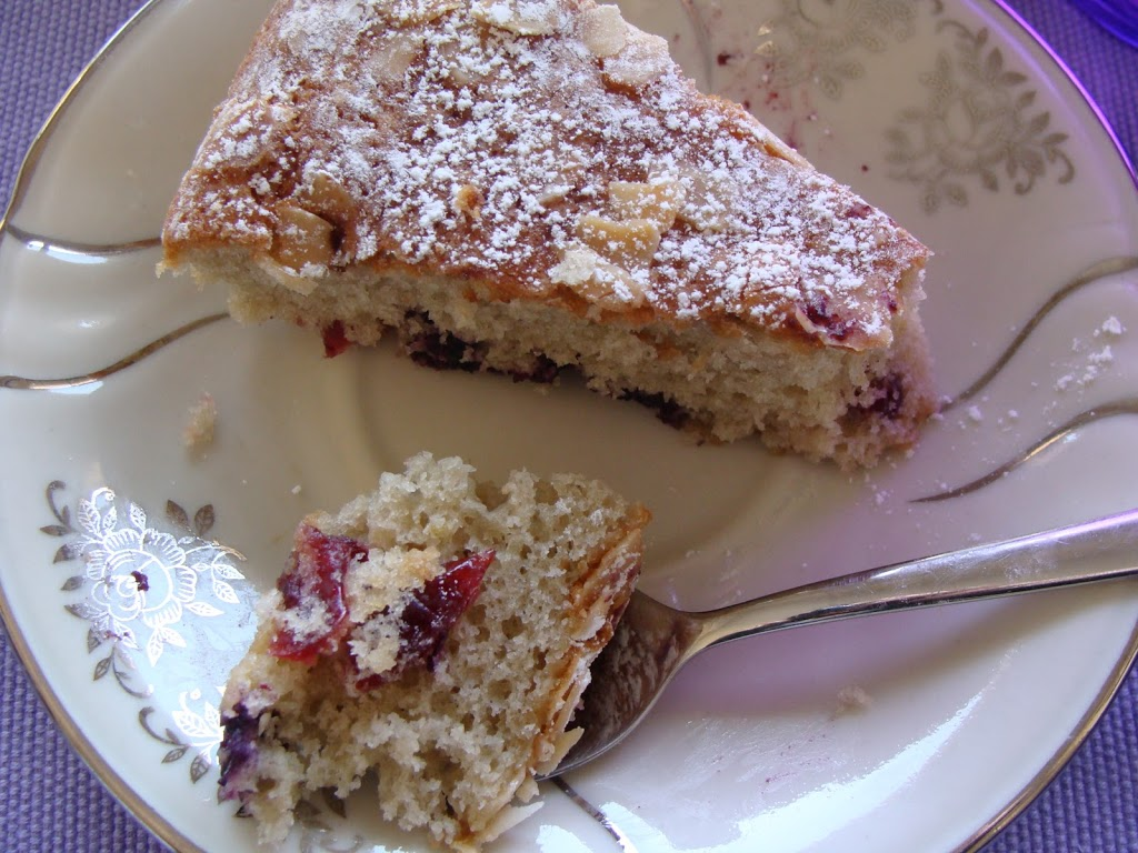 Torta morbida ai tre mirtilli
