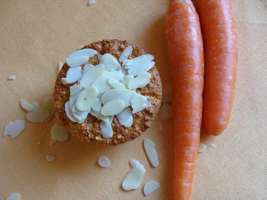 Tortine di carote e mandorle