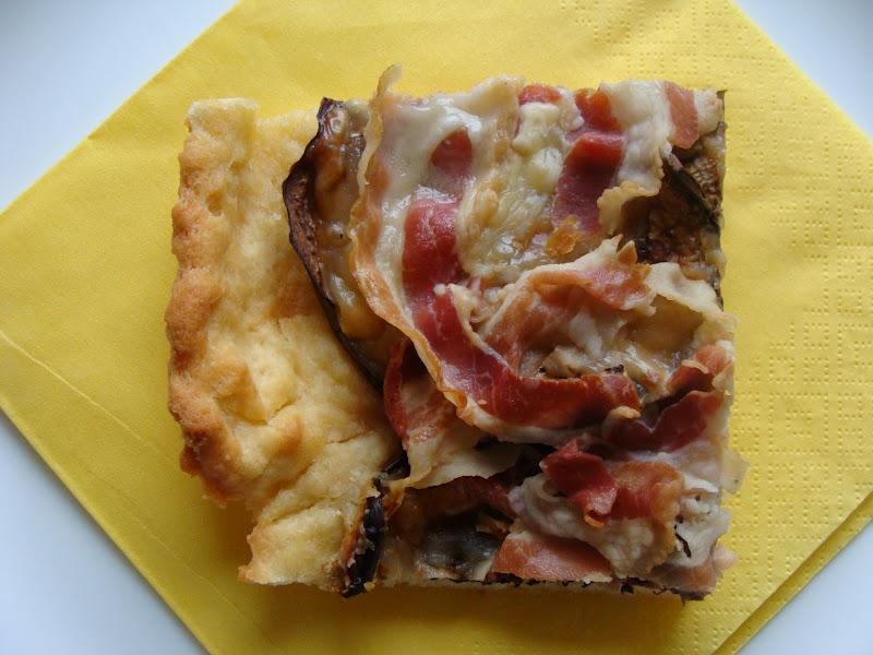 Pizza melanzane e pancetta