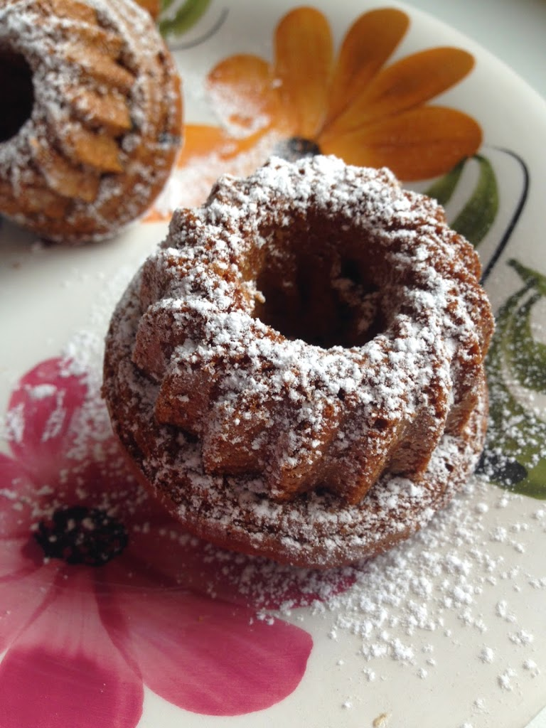 Tortine con miele e mirtilli