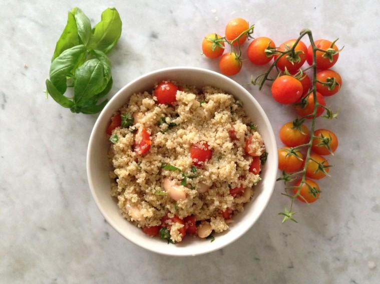 insalata di quinoa e pomodorini